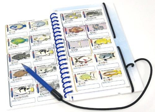 With the sightings option and pencil wet notes system slate, you can take notes while you are diving.